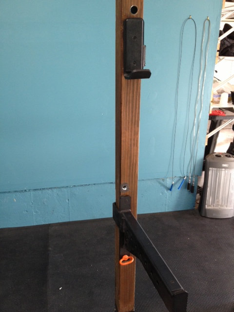 Homemade squat spotter stands homemade ftempo for Homemade safety squat bar